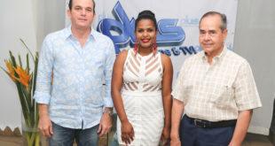 de derecha a izquierda Andres G. Pastoriza, Mabel Andreiny, Diego Sousa